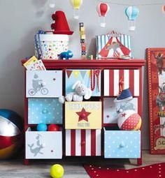 Chambre de bébé dans le thème du cirque http://bit.ly/1DyROM1