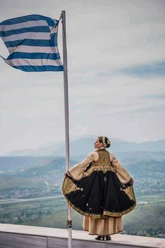 N America, Greek Art, Traditional Outfits, Greece, Italy, Urban, Folk Costume, Homeland, Tourism