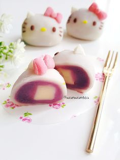 Japan Dessert, Kawaii Dessert, Japanese Pastries, Japanese Sweets, Japanese Wagashi, Cute Desserts, Asian Desserts, Strawberry Mochi, Mooncake Recipe