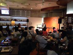 只今、熊本フリーライブ中です。  予定の演奏曲数を超えて、演奏中です(笑) かなりチャレンジセットリストです!