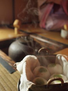 Japanese tea with steamed buns