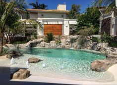 Cristal Pool - Pioneiro em Investimentos Inovadores Beach Entry Pool, Backyard Beach, Small Backyard Pools, Backyard Pool Designs, Small Pools, Swimming Pools Backyard, Swimming Pool Designs, Pool Landscaping, Backyard Patio