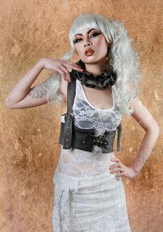 Steampunk style Victorian Leather ruff / ruffle collar. £40.00, via Etsy.