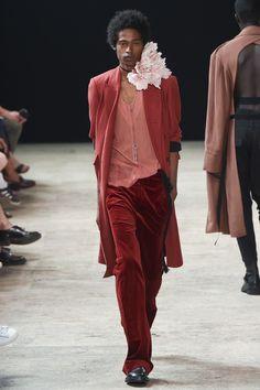 Ann Demeulemeester Spring 2018 Menswear Fashion Show