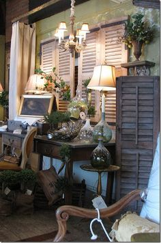 Harmony And Home: Demijohns Antique Booth Displays, Antique Booth Ideas, Craft Booth Displays, Booth Decor, Vintage Display, Store Displays, Display Ideas, Vintage Decor, French Country Christmas