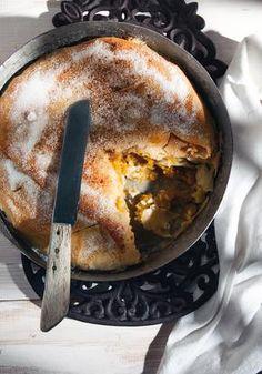 Πίτα γλυκιά με κίτρινη κολοκύθα Greek Desserts, Greek Recipes, Greek Cooking, Pie Dish, Sweet Tooth, Sweet Treats, Dessert Recipes, Cooking Recipes, Yummy Food