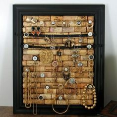 Jewelry cork board. Making one of these!!