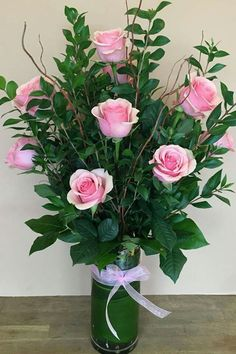 Valentine Flower Arrangements, Unique Flower Arrangements, Ikebana Flower Arrangement, Flower Vases, Memorial Flowers, Cemetery Flowers, Church Flowers, Flower Delivery, Amazing Flowers