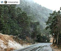 Diumenge passat va nevar als Ports i @kikecarles ho va fotografiar i etiquetar amb #EbreActiu. Compartim amb vatros la seva foto.