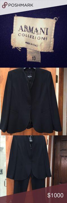 Giorgio Armani classic Black Suit size 10 Shawl collar suit, 3 season, black size 10 Giorgio Armani Other