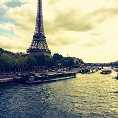 Chris Swall — Paris bateaux-mouches #chrisswallinparis...