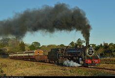 Net Photo: 2685 Umgeni Steam Railway Steam at Gillitts - KwaZulu Natal, South Africa by Greg Hart Locomotive Engine, Steam Locomotive, South African Railways, Abandoned Train, Steam Railway, Kwazulu Natal, Train Journey, Busses, Steam Engine
