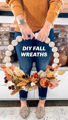 Diy Fall Wreath, Fall Diy, Holiday Wreaths, Easy Fall Crafts, Diy Crafts To Do, Fall Home Decor, How To Make Wreaths, Fall Halloween, Thanksgiving Traditions