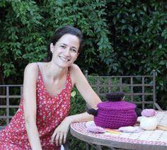 Patrón para tejer un cactus de ganchillo tipo amigurumi | Pim, pam, teje Baby Knitting, Crafts, Flower, Crochet Cactus, Crochet Hat Patterns, Crochet Hooks, Crochet Earrings, Crochet Slippers, Crochet Poncho
