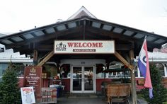 With its fresh-pressed apple cider and apple cider doughnuts, Cold Hollow Cider Mill in Waterbury Center is a Vermont visitor favorite. Waterbury Vermont, Main Entrance, Special Recipes, Apple Cider, Places To Travel, Wicked, Cold, Destinations, Holiday Destinations