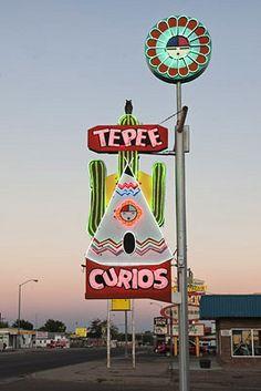 Teepee Curios - Route 66 Tucumcari - New Mexico - USA