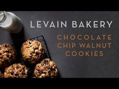 How to make New York City's famous Levain cookies Levain Cookie Recipe, Levain Cookies, Cookies Nyc, Gooey Cookies, Yummy Cookies, Baking Recipes, Cookie Recipes, Dessert Recipes, Desserts