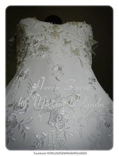 Vestido de novia en encaje bordado con pedrería. https://www.facebook.com/miriamrolandoaltacostura