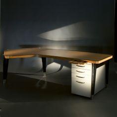 LAFFANOUR - Galerie Downtown / Paris expose à Design Miami/ Basel 2014 une sélection de pièces de Pierre Jeanneret accompagnée de mobiliers rares de Charlotte Perriand et Jean Prouvé.