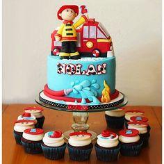 Bolo Bombeiros por Hot Mamas Cakes