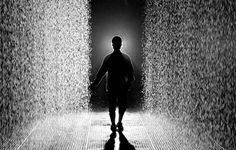 Você precisa ver isso do dia: Conheça a curiosa e incrível 'Sala da Chuva' (vídeo)