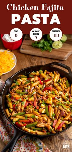 Syn Free Fajita Chicken Pasta - all the great flavours of chicken fajita's in this amazing pasta dish that the whole family will love. Slimming World and Weight Watchers friendly Syn Free Fajita Chicken Pasta kate brockway brockwkkb Recipes Syn Fre Slimming World Pasta Dishes, Slimming World Dinners, Slimming World Chicken Recipes, Slimming World Recipes Syn Free, Slimming Eats, Slimming World Free, Wheat Pasta Recipes, Easy Pasta Recipes, Meat Recipes