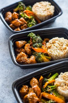 Quick teriyaki chicken and broccoli meal prep bowls make a tasty healthy lunch for the entire work week in under 20