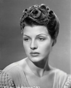 Todays 1940s hair and Makeup Inspiration from Rita Hayworth