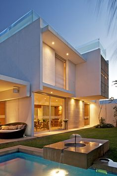 Construir la casa de mis sueños  Casa SG by Ricardo Agraz