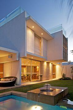 Estilos de casa fachadas buscar con google casa no for Fachadas de casas modernas en hermosillo