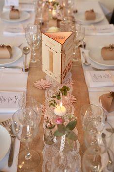 Wedding Goals, Wedding Planning, Diy Bedroom Decor, Diy Home Decor, 33rd Birthday, Wedding Table Decorations, Diy Valentine, Valentine's Day, Interior Design Living Room