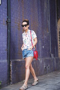 Painted_Shirt-Levis_Shorts-Birks-outfit-London-Street_Style-13 by collagevintageblog, via Flickr