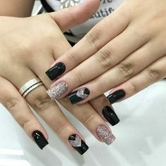 Unhas decoradas com amor maravilhosas Classy Nails, Stylish Nails, Trendy Nails, Classy Nail Designs, Gel Nail Designs, Nail Designer, Perfect Nails, Winter Nails, Love Nails
