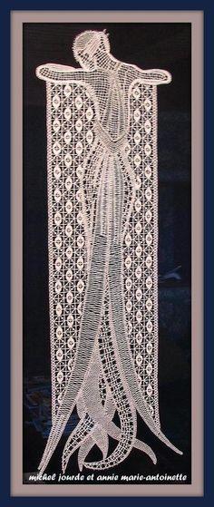 """""""LONGILIGNE"""" Modèle SC 39, Prix : 5,00 € ..... Bobbin Lace framed..."""