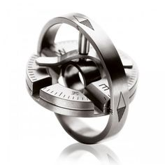 Men's Collection Anhänger / Amulette Pendant 3 Titan Compass in pure titanium. Worn as a pendant or as a pocket tool.
