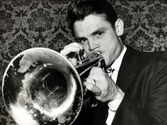 Chet Baker on Riverside Marc Myers re-evaluates the string of albums that Chet… Jazz Artists, Jazz Musicians, Jazz Trumpet, Trumpet Music, Chet Baker, Bill Evans, Trumpet Players, Cool Jazz, All That Jazz