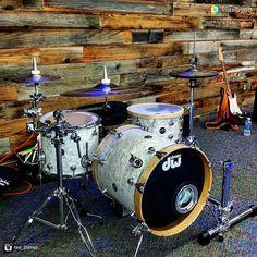 Low n mean set up with @tee_2times  #drumporn #hihatporn #drummerscorner #officialdg2g #drums #coolnessfordrums #modern_drummer #drummag #drumfam #royalnuts #180drums #bateria #baterista #customhihatclutch