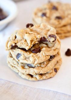 The best Chocolate chip peanut butter oatmeal cookies! White Chocolate Cookie Recipes, Cooking Chocolate, Oatmeal Chocolate Chip Cookies, Chocolate Cake, Chocolate Chips, Delicious Chocolate, Köstliche Desserts, Dessert Recipes, Dessert Food