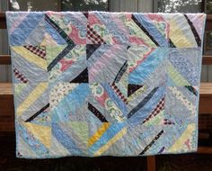 VINTAGE 1930's / 1940's  STRING PIECED  QUILT - FEEDSACK FABRICS  - HAND TIED