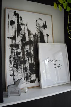 Create your own abstract black and white artwork in minutes and see how we made this Tasmanian Oak box frame too. Stylish artwork for your home for the cost of next to nothing but will create a beautiful statement. See how you can make it too here >>