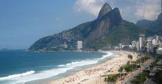 La playa de Leblon, otra buena opción para disfrutar de Rio - http://riodejaneirobrasil.net/la-playa-de-leblon-otra-buena-opcion-para-disfrutar-de-rio/ #RioDeJaneiro #Brasil #Turismo
