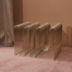 Curva magazine holder by AYTM Design