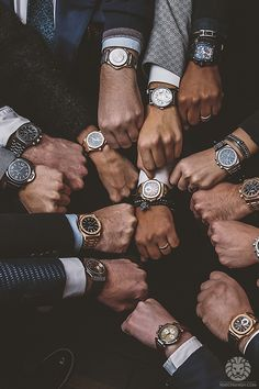 Cool mens watches are a must have whether you are an office going person or you work at some eating joint. Cool men watches can have a number of variations; the size of the dials may vary or even the material of the strap can be different. Modern Watches, Men's Watches, Luxury Watches, Cool Watches, Wrist Watches, Fashion Watches, Patek Philippe, Audemars Piguet, Richard Mille