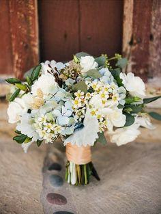 Sweet Violet Bride - http://sweetvioletbride.com/2013/04/wedding-flower-inspiration-waxflower/