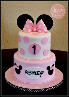 Pink Minnie Cake~such a cute idea for child's birthday cake! Minnie Mouse 1st birthday party idea