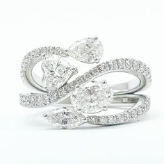Tips for Buying Diamond Rings and Other Fine Diamond Jewelry Unique Diamond Rings, Diamond Gemstone, Diamond Jewelry, Gemstone Rings, Metal Jewelry, Classic Engagement Rings, Diamond Engagement Rings, Fashion Jewelry Necklaces, Fashion Rings