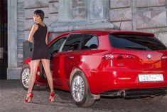 Alfa Romeo, coches y... chicas. in Alfistas #alfaromeogirl