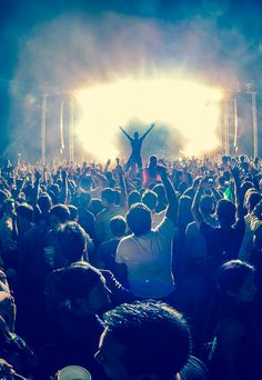 Ideas for music concert crowd Edm Music, Dance Music, Live Music, Good Music, Concert Crowd, Rock Concert, Dubstep, Trance, Pub Radio