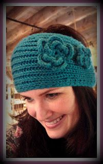 Hip Knitted Headband Pattern!  So flippin' cute!! Karen Aquilano can you make this for me??? Please!!!