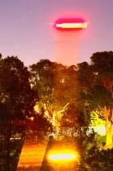 Russell Crowe Photographs UFO in Sydney